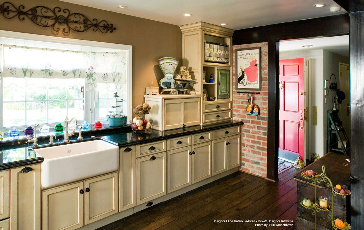 Columbia Cabinets - Traditional Design Portfolio