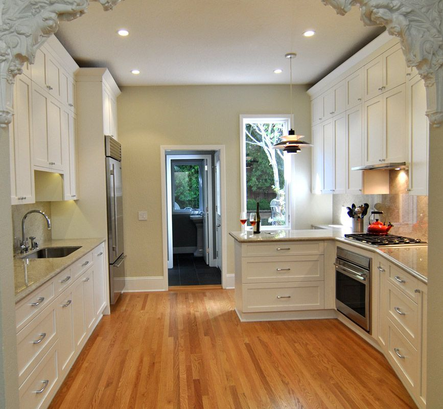 ... Kitchen Cabinetry With Traditional Design ...